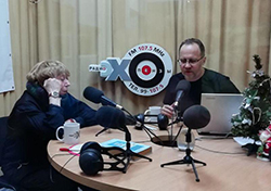 2019 12 25 Kugel radio 250